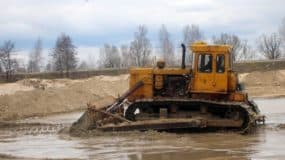 buldozer-t-170b-bolotohod