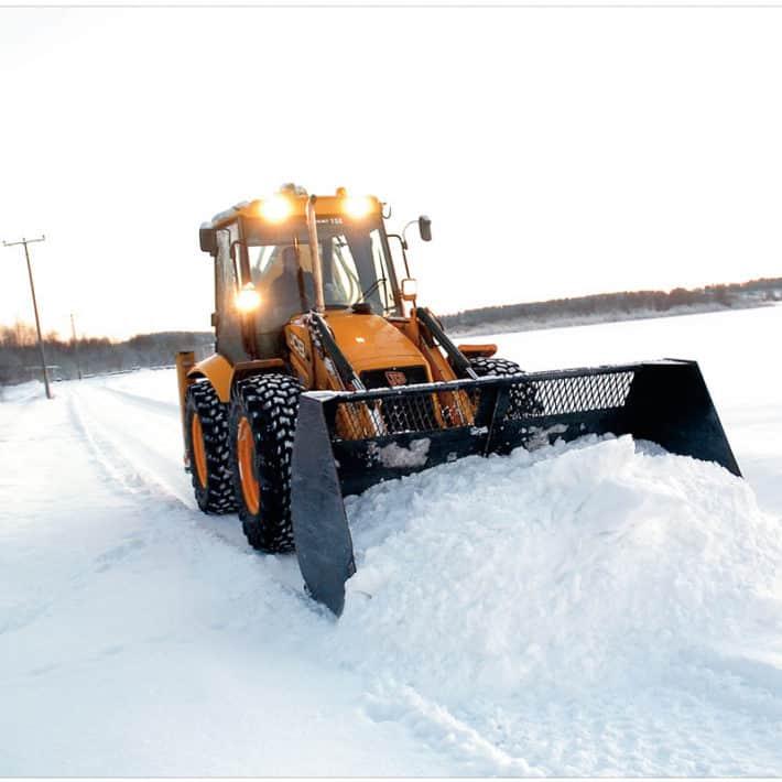 Услуги трактора для уборки снега