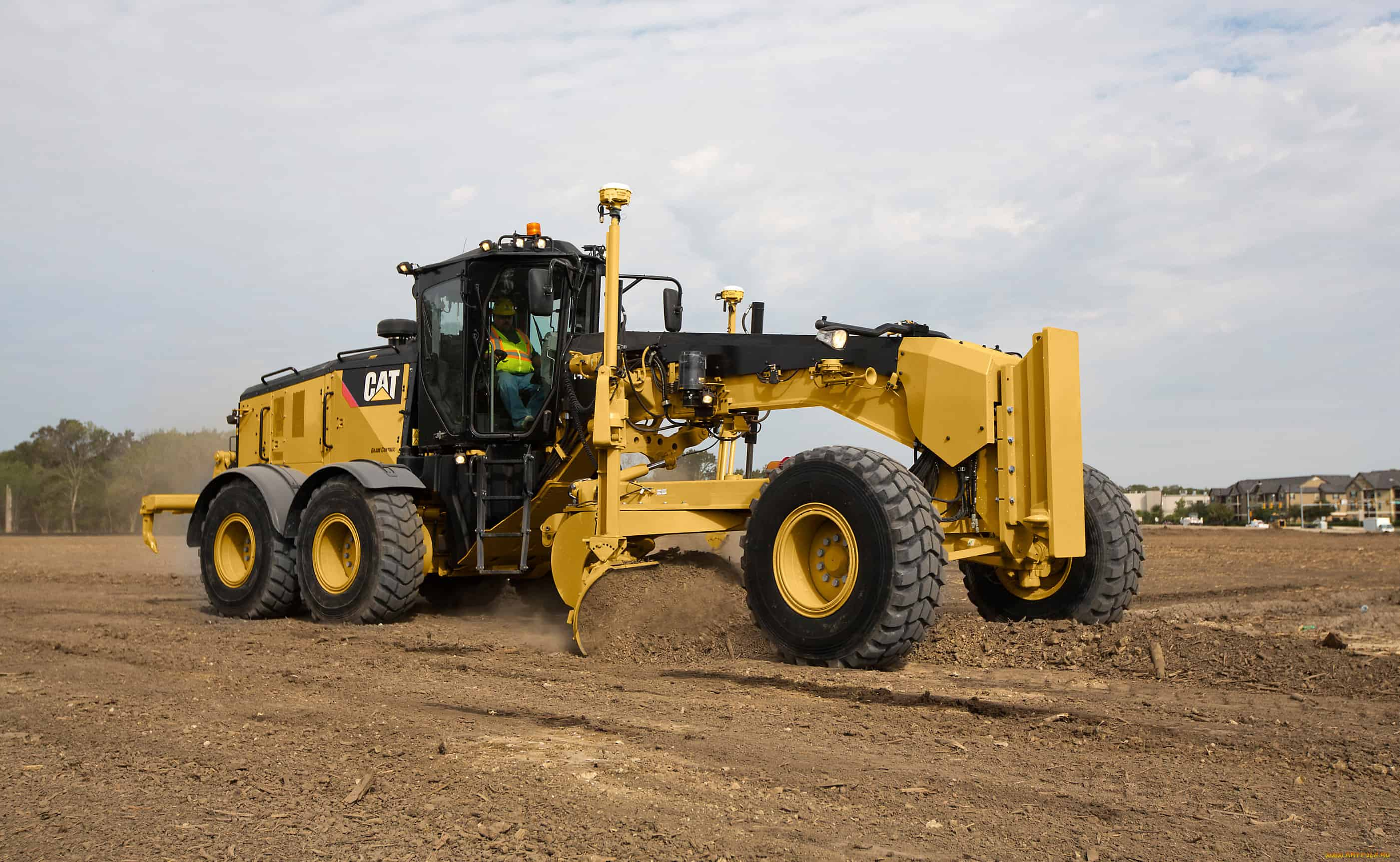 Caterpillar 160 - 20,6 тонн в аренду
