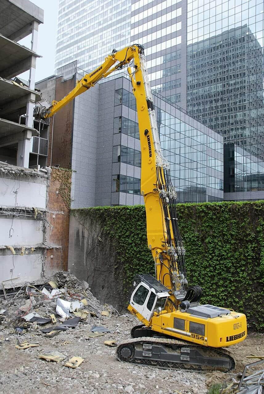 LIEBHERR R 944 Demolition в аренду
